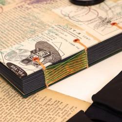 Album photo vintage et artisanal vert