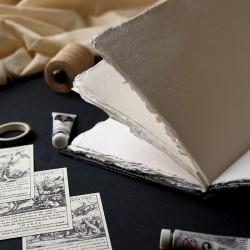 Carnet artisanal A5: livre d'artiste blanc et noir