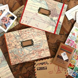 Album photo voyage rouge avec étiquette à remplir