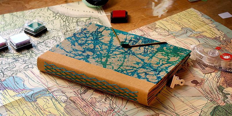 Comment remplir un carnet de voyage en style scrapbooking
